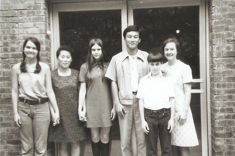 Beth Yoder Jensen (left), Barb (middle), Steve (second to right) and Patricia Yoder (right) with friends Mrs. Do Ki Bong (second from left) and her eldest son.